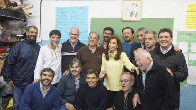 MENSAJE A LOS FELIGRESES Comunicado de los curas: «Un cristiano no puede darle el voto a Macri»