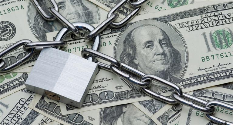 Argentina paga 4,5 veces más intereses de deuda que Chile
