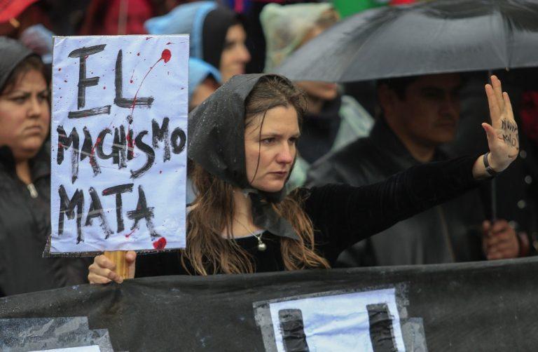 Femicidios: una mujer es asesinada cada 32 horas en el país