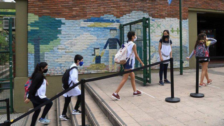 Tras el anuncio oficial, la UEPC insiste en la suspensión de clases presenciales