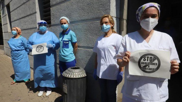 Médicos de guardia: entre la violencia, el pluriempleo, los salarios bajos y el colapso